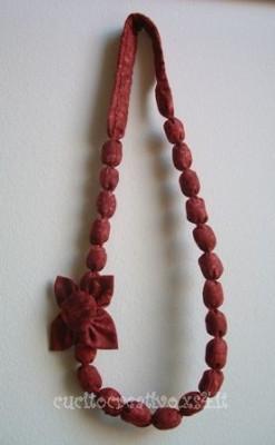 collana di stoffa