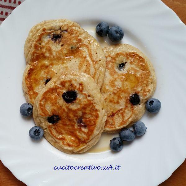 ricetta pancakes con mirtilli